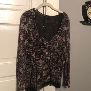 New Condition. New York & Company floral blouse.